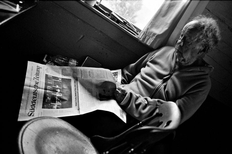 »My whole life is in this newspaper.« Robert Frank about the newspaper catalogue Robert Frank: Books and Films © Gerhard Steidl