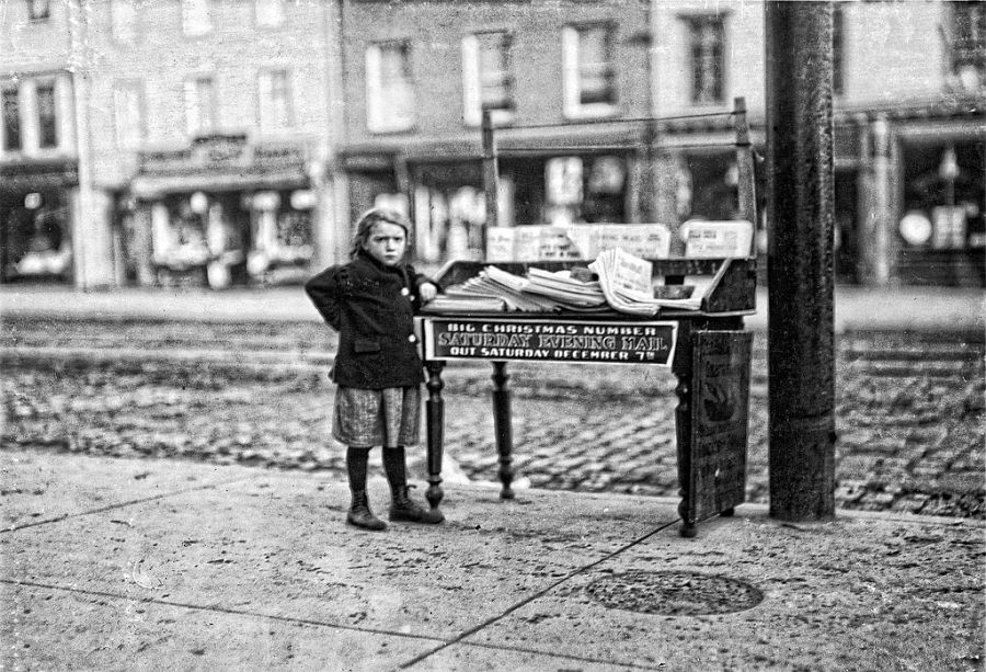 Hoboken news stand on Washington Ave. and 3rd St., December 1912