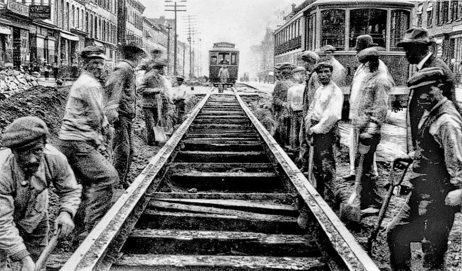 Building trolley tracks on Washington St., Hoboken, NJ, 1913