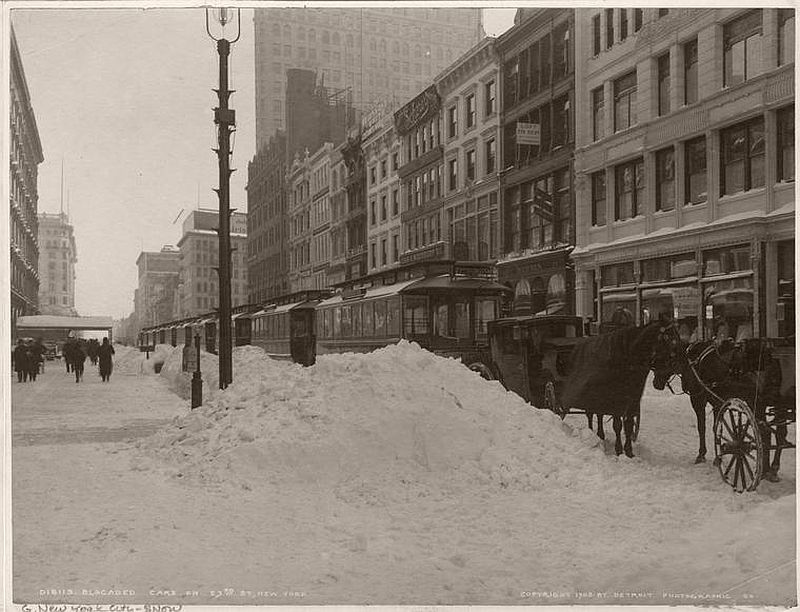 On 23rd Street.(Photo courtesy of the NYPL)