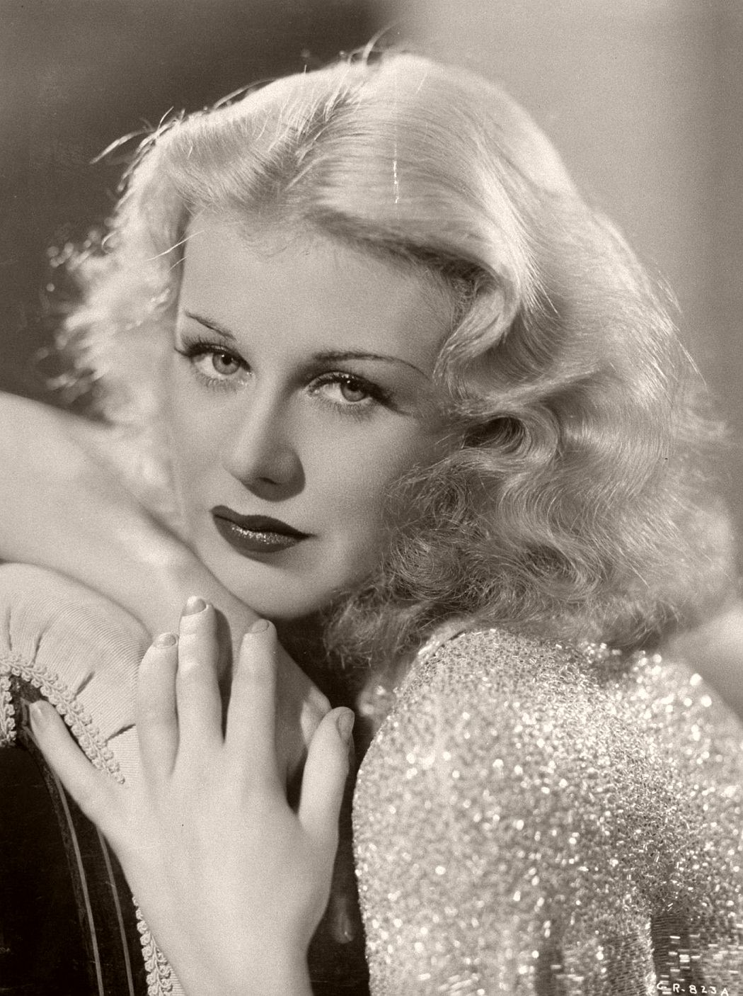 Often the dancing partner of the dapper Fred Astaire in films, Ginger was known for her constantly changing hair. Straight, wavy, sleek bobs and classic up-dos; Ginger wore them all. She left her distinct mark on 1930s fashion with her super sleek gowns, which showed off her enviable figure as well as her dancing sills.