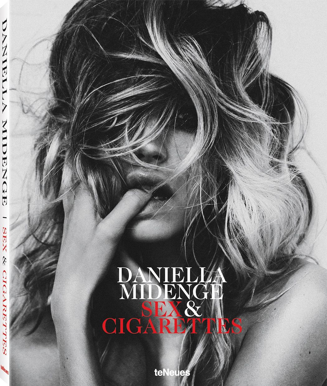 © Sex & Cigarettes by Daniella Midenge, published by teNeues, www.teneues.com, Chloe, Hamburg, 2014, Photo © 2017 Daniella Midenge.