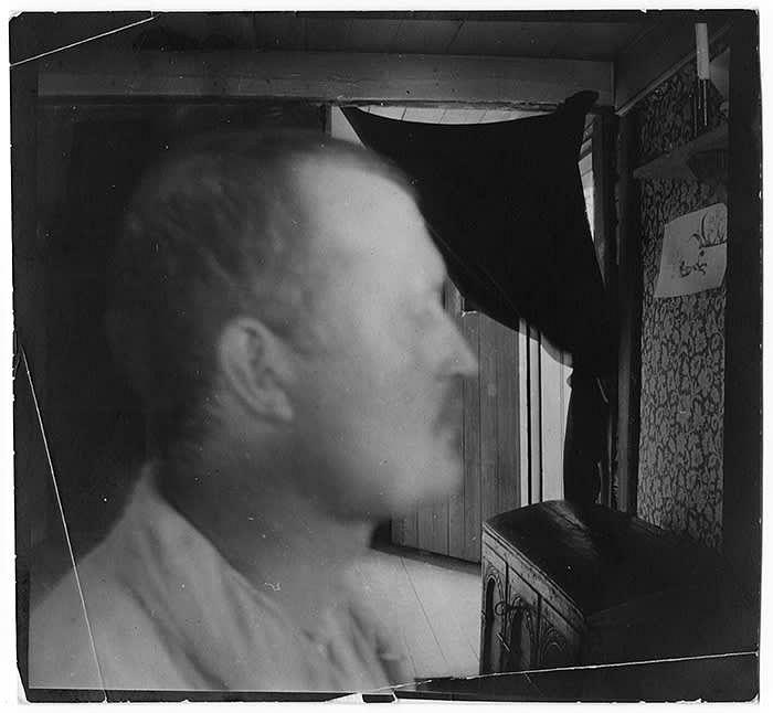 'Self-Portrait in Profile Indoors' (ca. 1904) © Edvard Munch/Munch Museum
