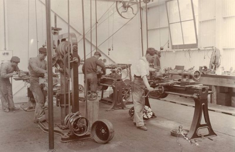 Men at work in the Molton Street works, c1905