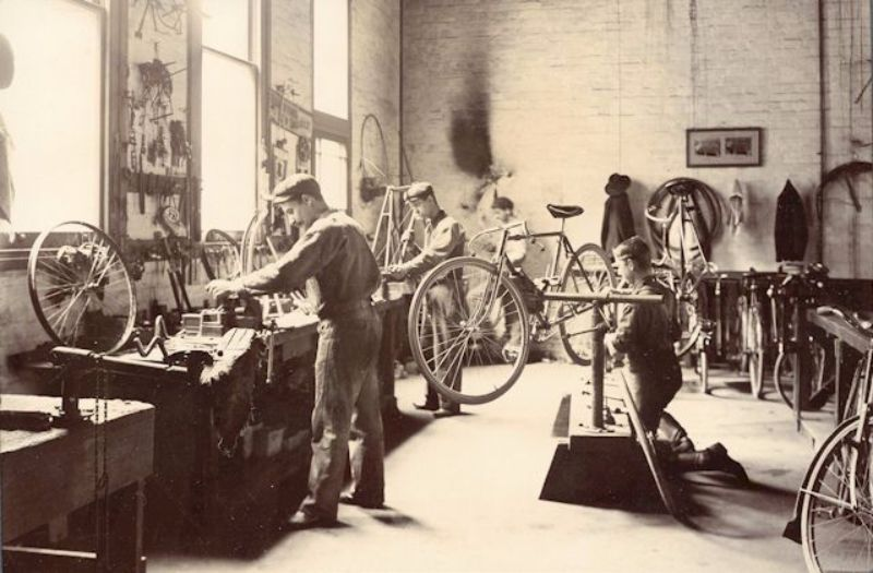 Bicycle assembly, Gawler Place, c1904
