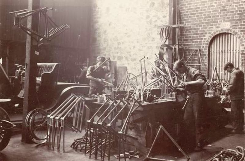 Building bicycle frames and wheels in the McHenry Street works, c1904