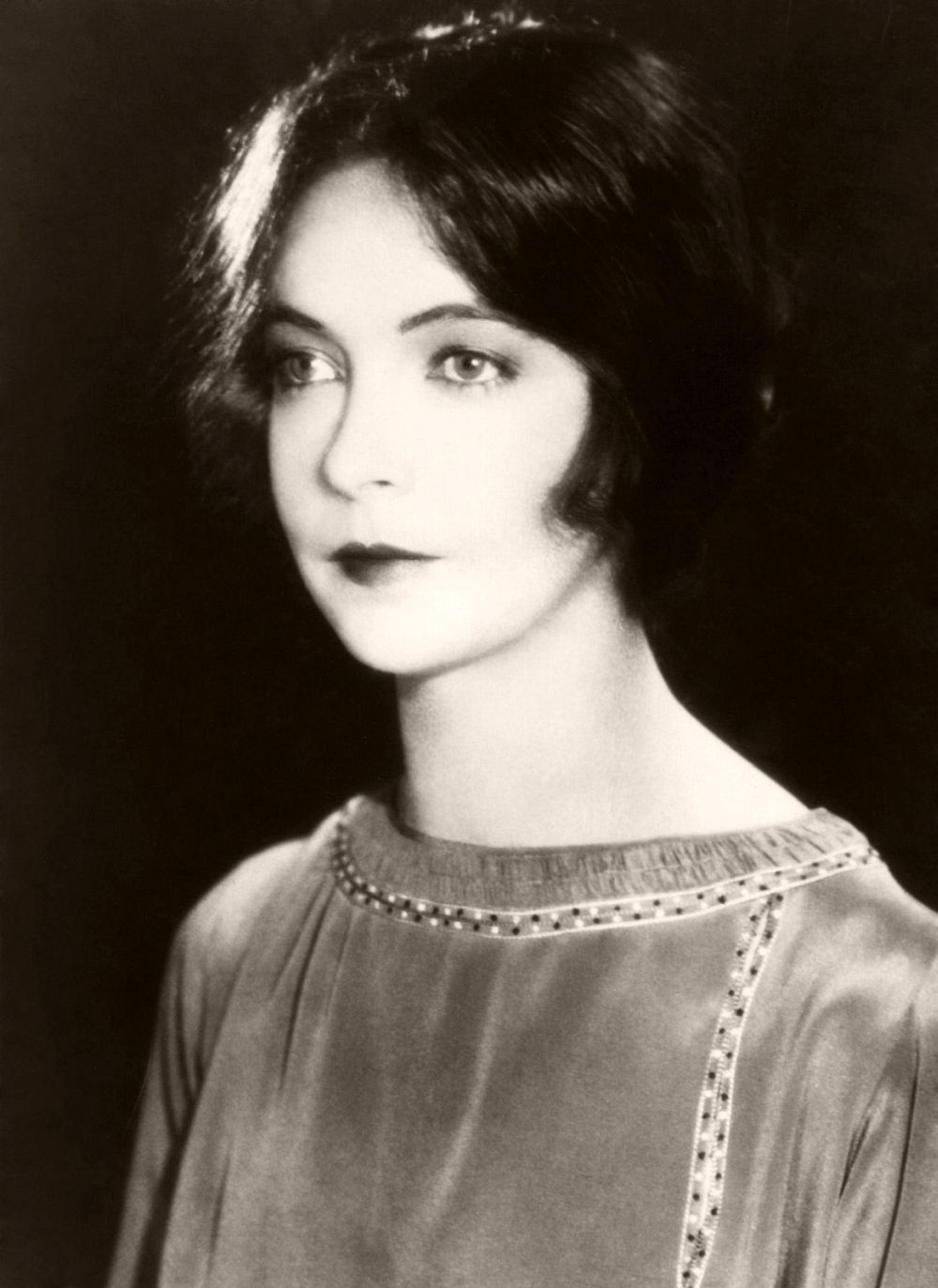 1923: Lillian Diana Gish, originally Lillian de Guiche (1893 - 1993), made her stage debut at the age of 5. She played a lot of waif type heroines during her silent film career but never quite made the successful transition to talking pictures. An Academy Award was presented to her in 1971.