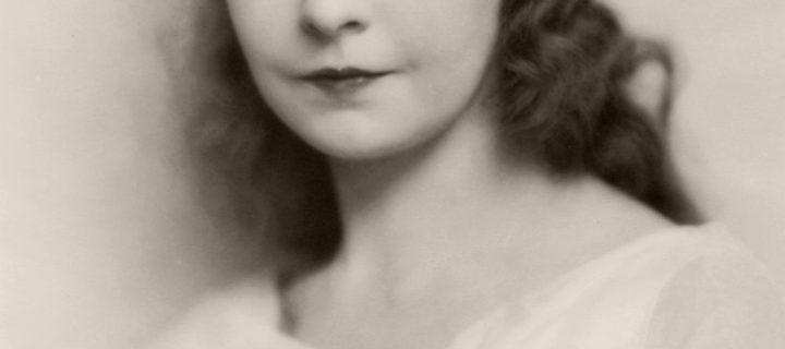 Vintage: Portraits of Lillian Gish (1920s)
