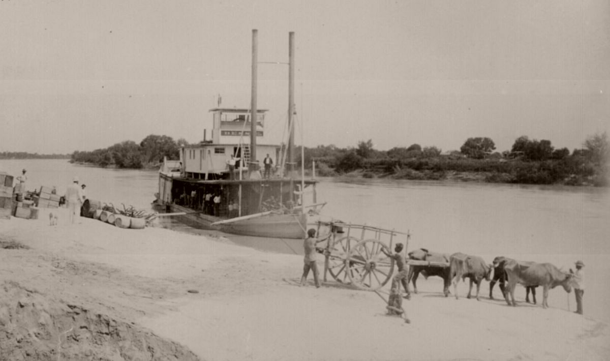 Steamer Bessie on the Rio Grande River loading up at Fort Ringgold, Tex., en route to Brownsville, ca. 1890.