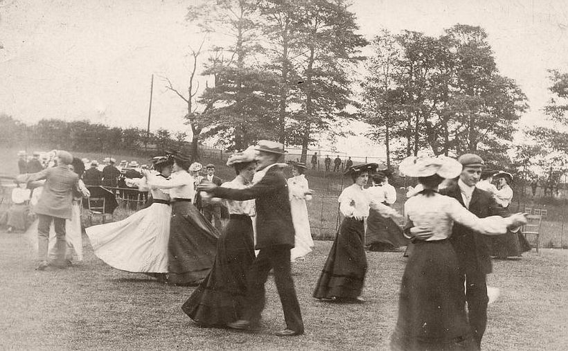 Dancing in the open air