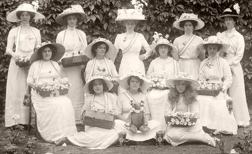 Rose sellers on Alexandra Day