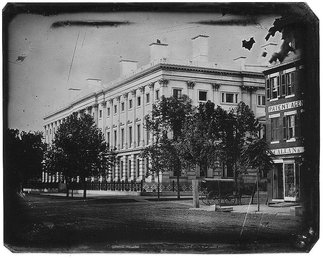 The General Post Office, photographed by John Plumbe, Jr., in 1846 (via Library of Congress)
