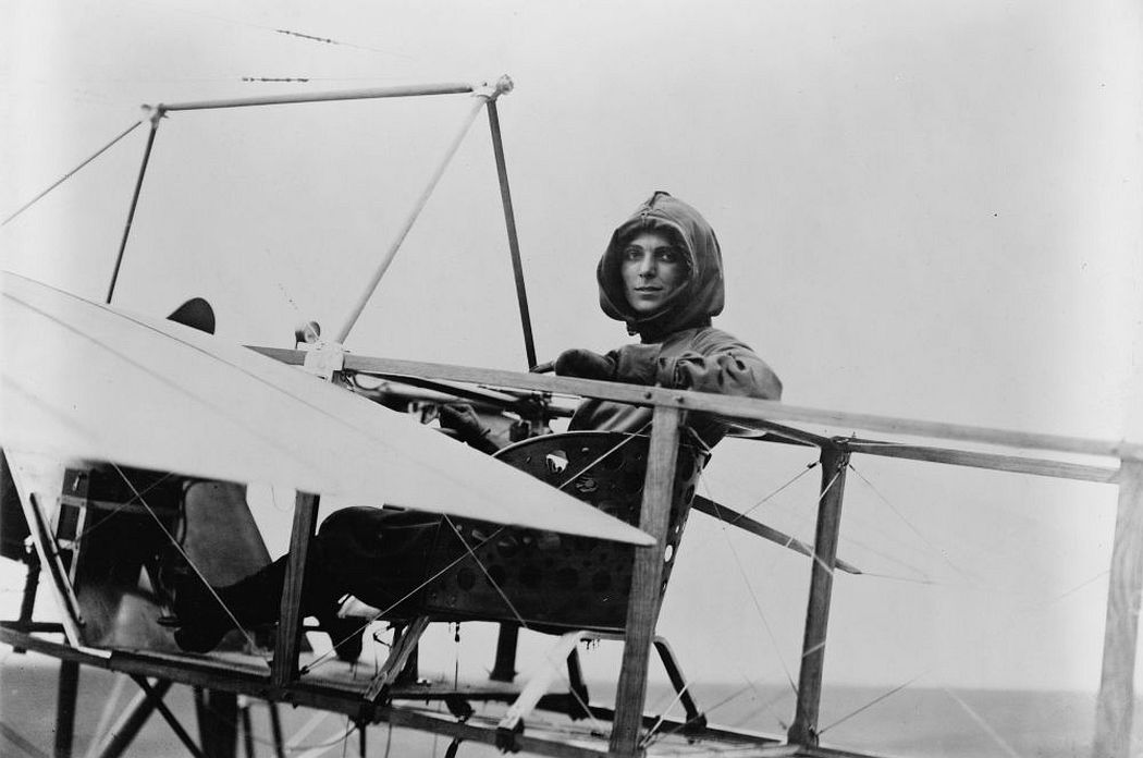 Harriet Quimby and her Blériot XI.