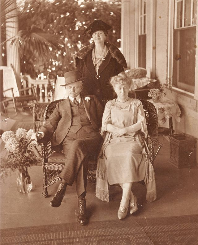 Lois Irene (Kimsey) Marshall (back row), Thomas Riley Marshall (Vice President under Woodrow Wilson) (front row from the left), Ella Jean 'Jennie' (Wilson) (Lindsey) Downey at 'Ivyhurst'