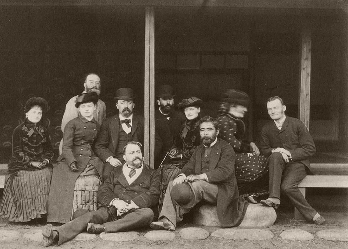 Felice Beato with Saigō Tsugumichi (seated in front) in 1882.