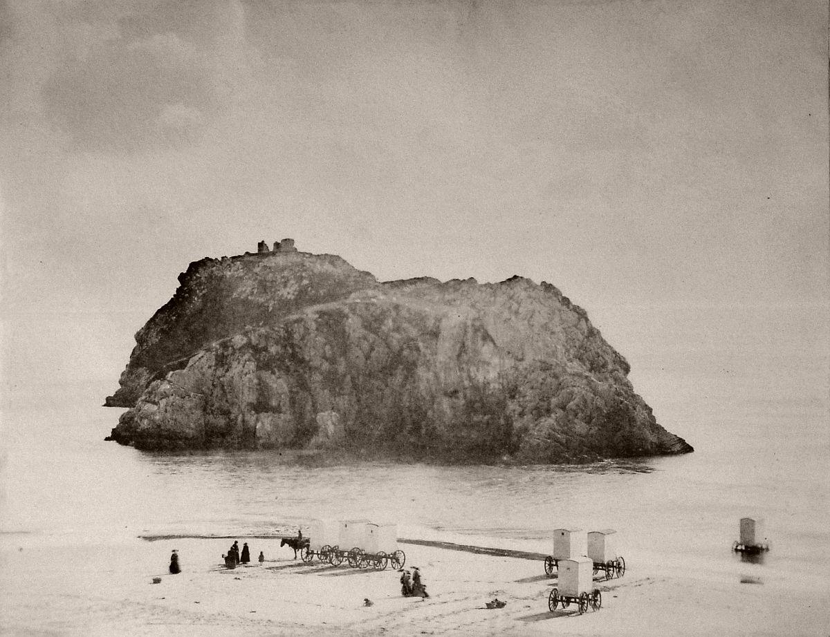 St Catherine's Island, Tenby (1854) Daguerreotypes Spur Book on John Dillwyn Llewelyn