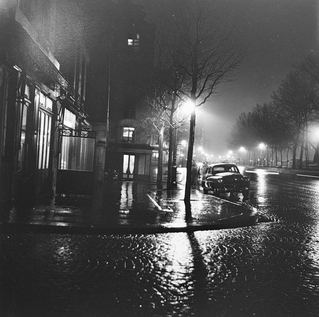La rue pavée, Paris, 1930
