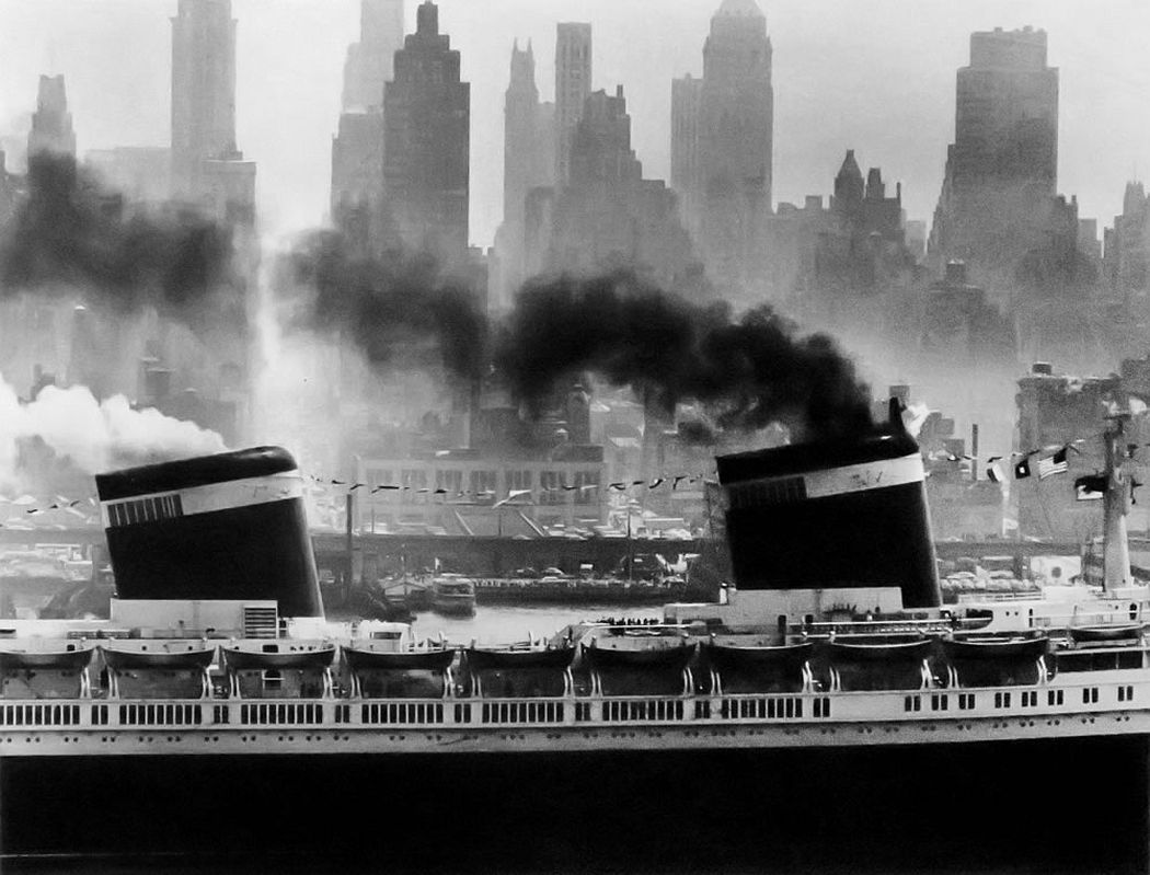 Andreas Feininger, The United States Setting Sail, New York, 1952