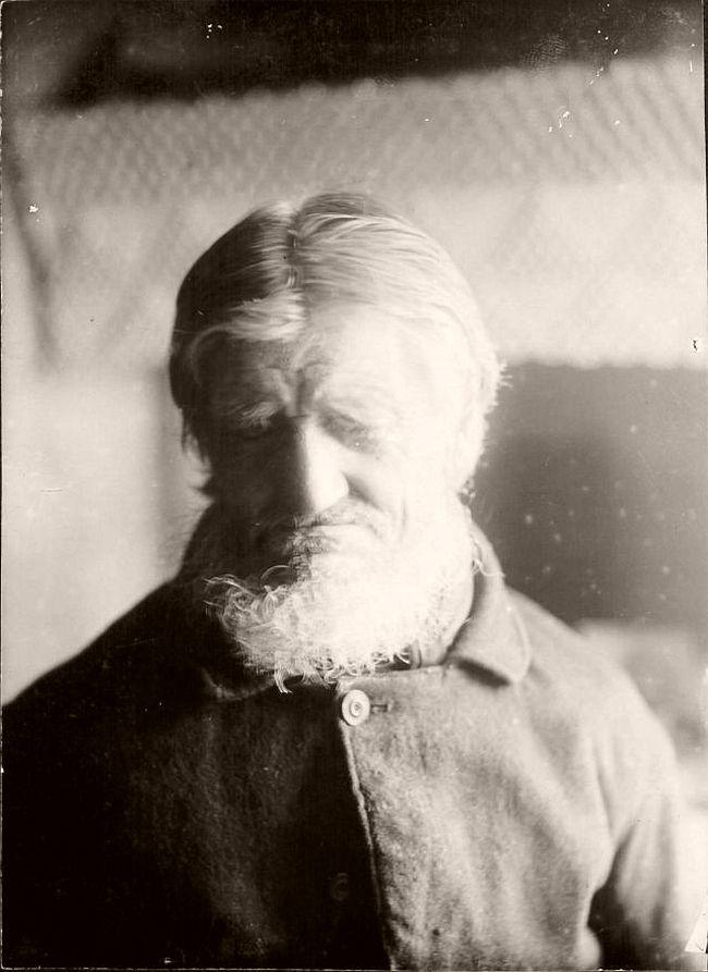 Portraits of Icelandic People by Daniel Bruun