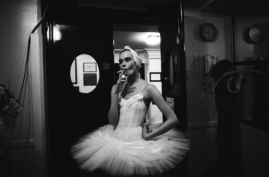 Sasha Gusov Swan Lake. Backstage. London, 1993
