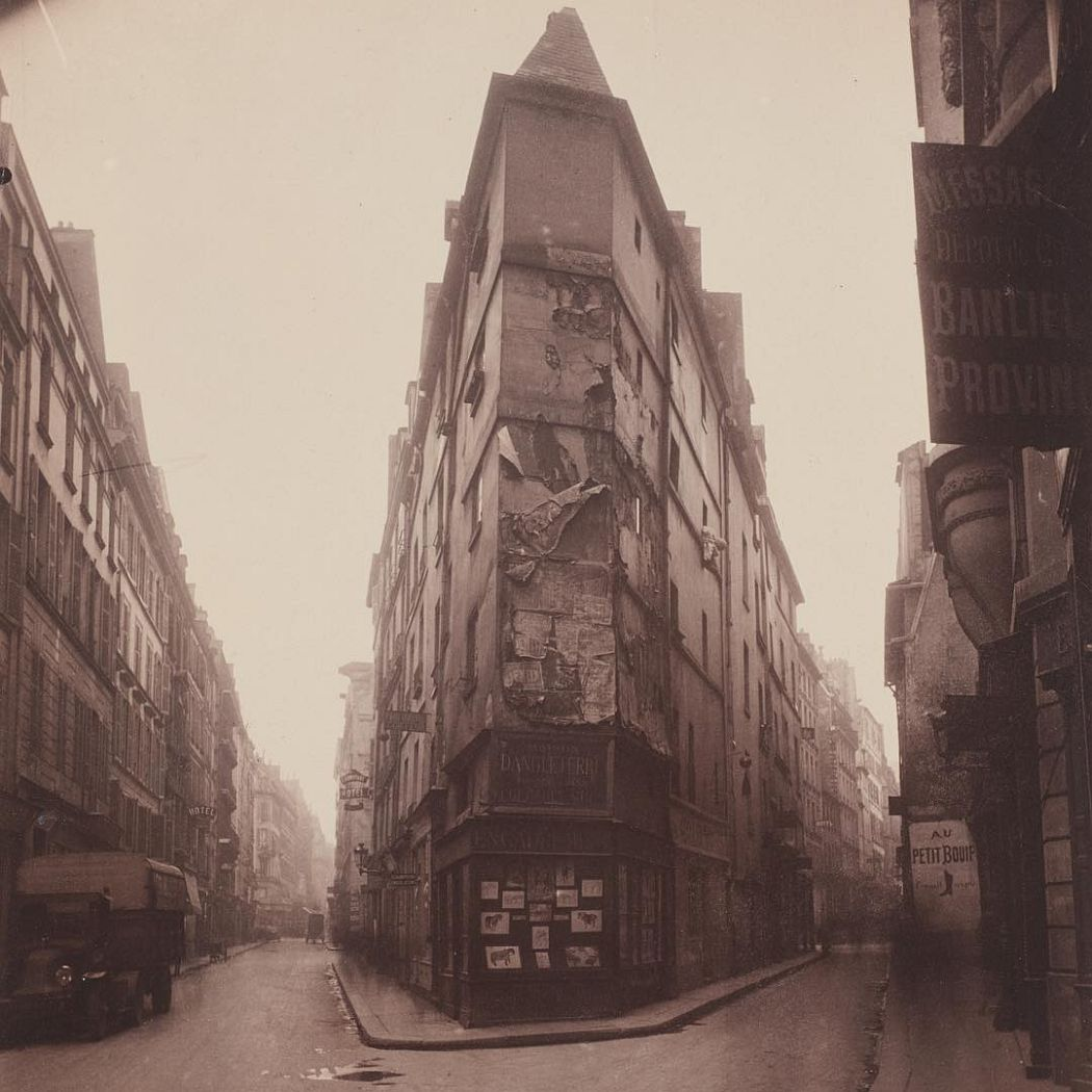 Eugène Atget French, 1857–1927 Corner of rue de Seine and rue de l'Échaudé c. 1919