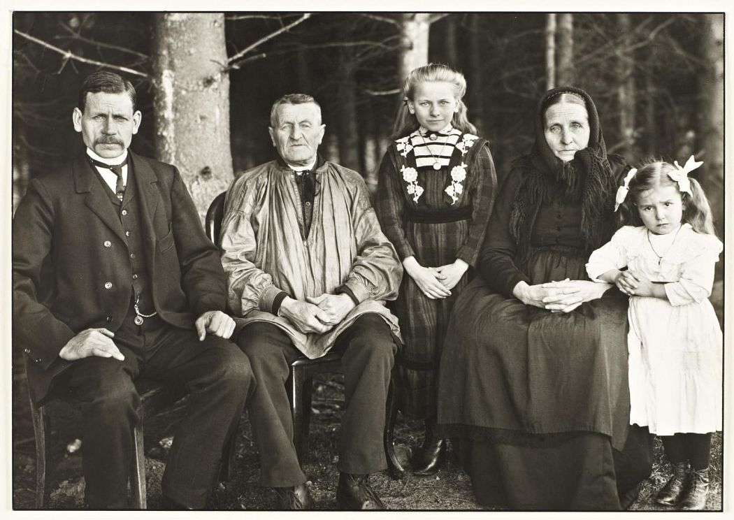 Three Generations of the Family 1912, printed 1990 August Sander 1876-1964 ARTIST ROOMS Tate and National Galleries of Scotland. Lent by Anthony d'Offay 2010