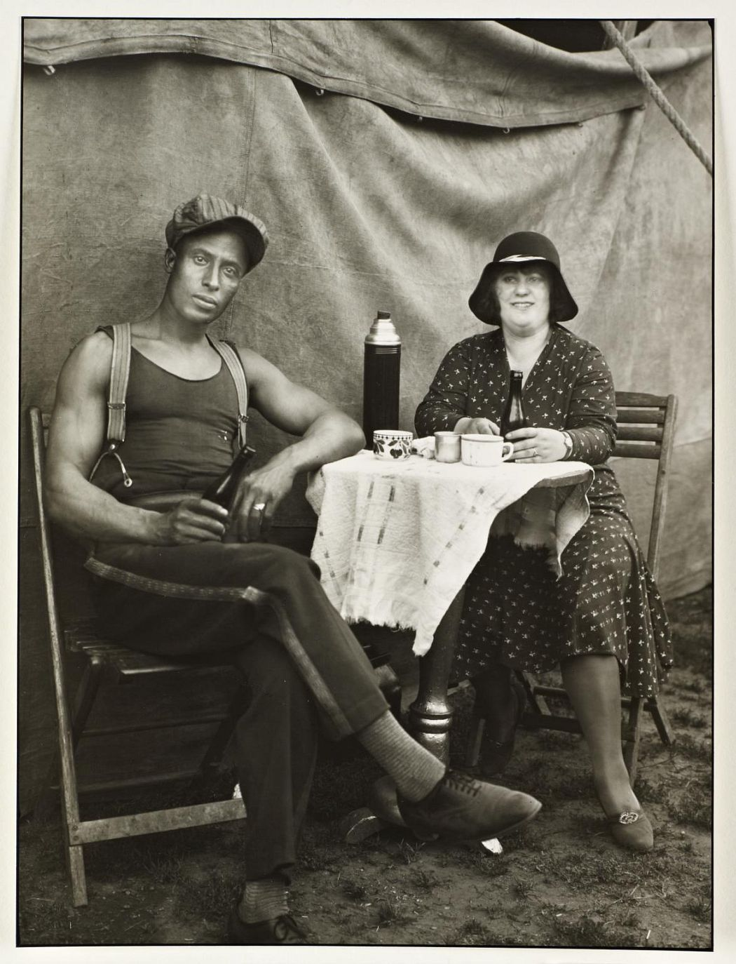 Circus Workers 1926-32, printed 1990 August Sander 1876-1964 ARTIST ROOMS Tate and National Galleries of Scotland. Lent by Anthony d'Offay 2010