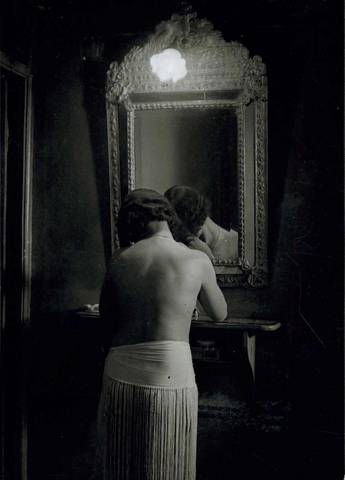 Brassaï, Toilette, Chez Suzy, c. 1932
