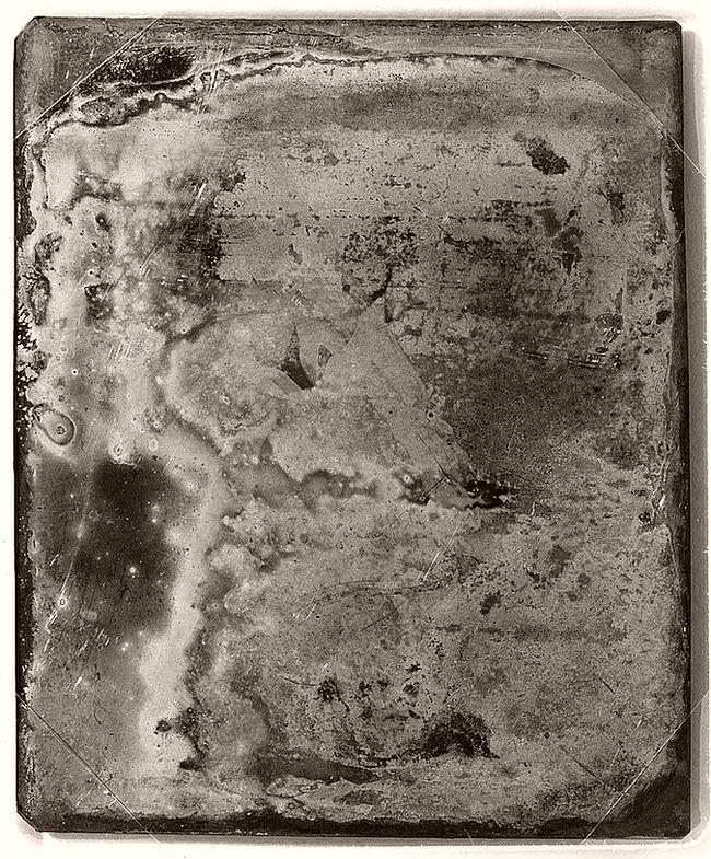 Vintage: Decayed Daguerreotype Portraits by Mathew Brady (19th Century)