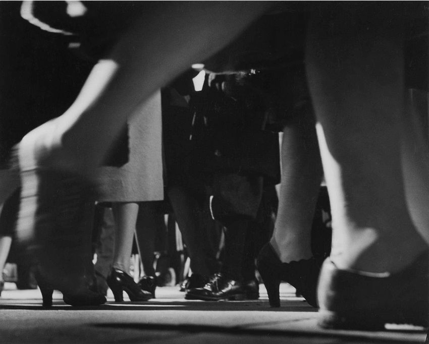 Lisette Model: Running Legs 42. Street, New York, 1940-1941 © Estate of Lisette Model, courtesy Albertina, Vienna