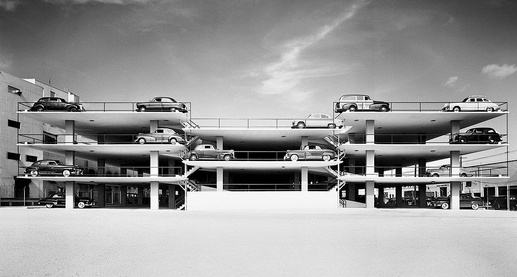 Ezra Stoller Miami Parking Garage. Robert Law Weed and Associates. Miami, FL, 1949 © Ezra Stoller, Courtesy Yossi Milo Gallery, New York