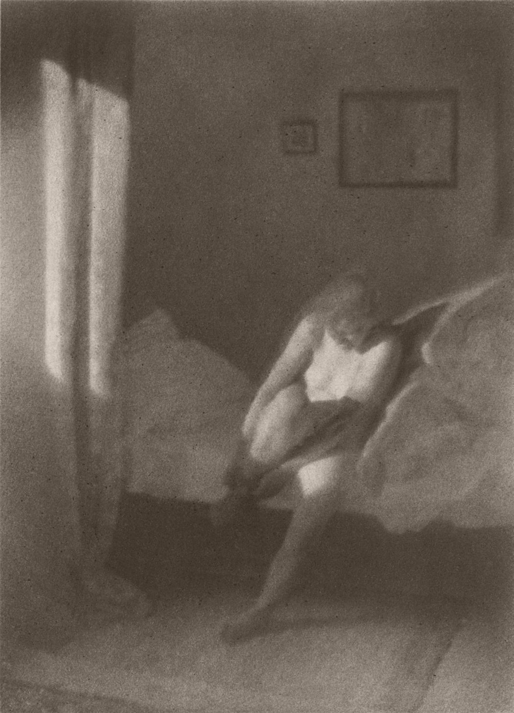 Heinrich Kühn, Nude in the morning sunlight, c. 1920