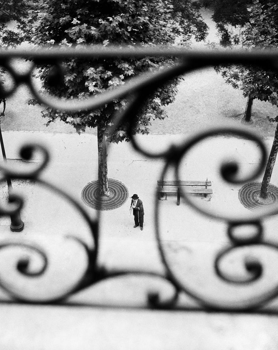 Willy Ronis: Boulevard Richard Lenoir, Paris 1946
