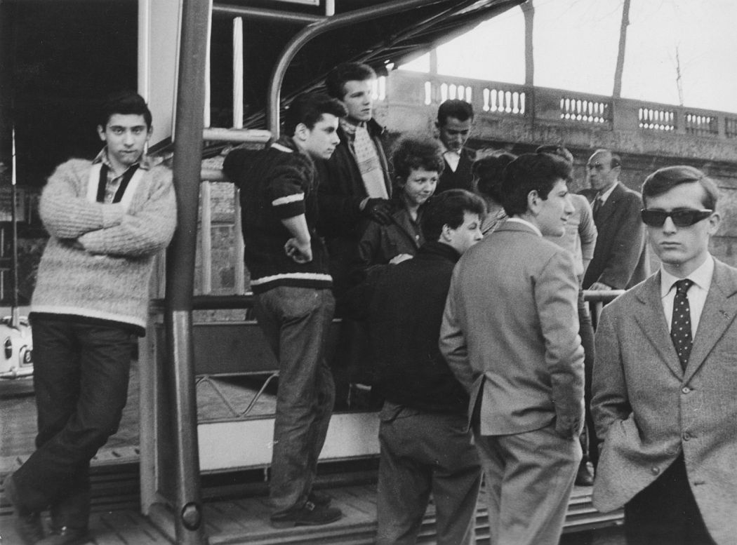 Enrico Cattaneo Giovani d'oggi, Milano (Youth of Today, Milan), 1961 Gelatin silver print; printed c.1961