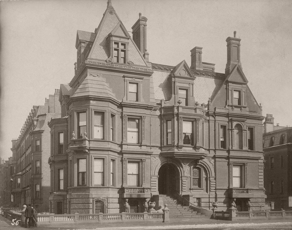 299 Berkeley (ca. 1880), photograph by Albert Levy; Ryerson and Burnham Archives, The Art Institute of Chicago
