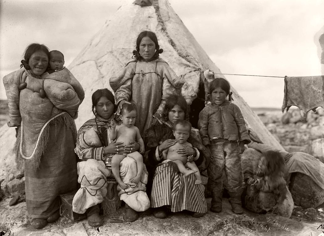 Inuit women and children at summer camp, Fullerton Harbour, Nunavut, August 1906
