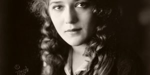 Vintage: Portraits of Mary Pickford – Silent Movie Star