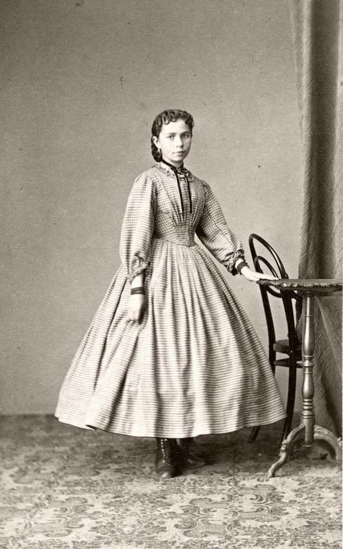 Vintage: Tight Corset (Victorian era)