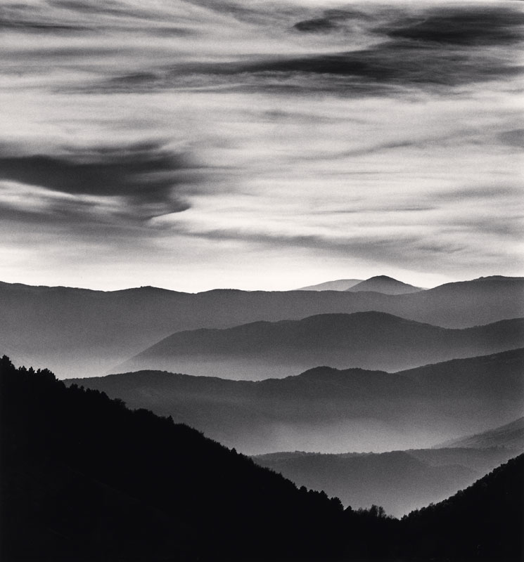 Michael Kenna, Distant Mountains, Passo delle Capannelle, Pizzoli, Abruzzo, Italy, 2015