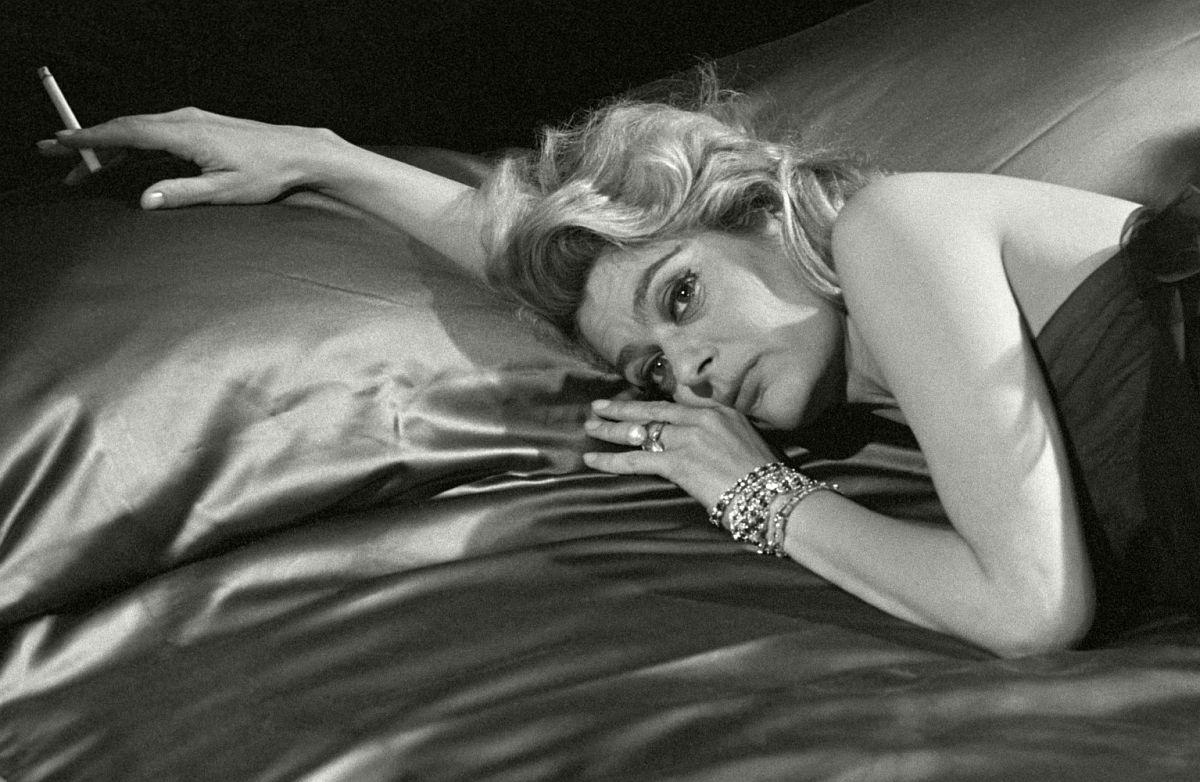ITALY, Naples Set of The Last Judgement 1961, GREEK actress Melina Mercouri- in a Film by Italian Director Vittorio de Sica: The Last Judgemen © Herbert List / Magnum Photos