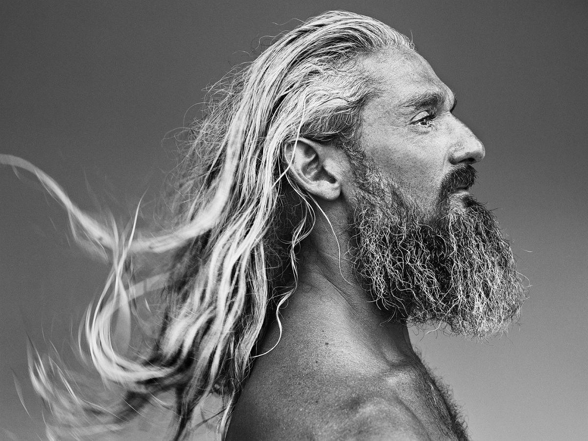 Charlie Phelps, surf lifesaver, Tweed Heads, New South Wales, Australia, 2016-2018 © Stephan Vanfleteren, Courtesy Kahmann Gallery, Amsterdam