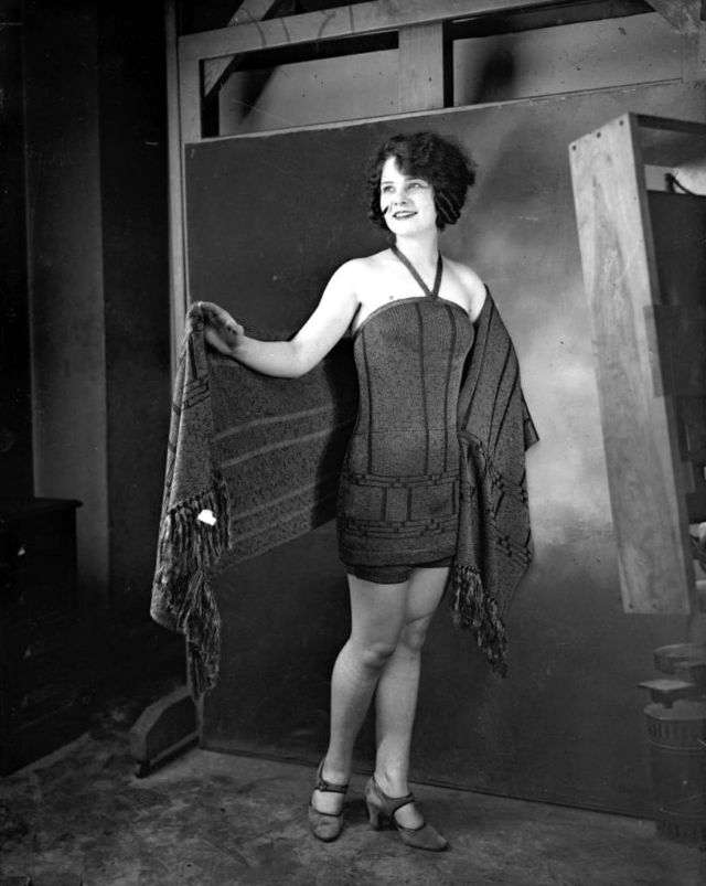 Miss Chicago Margaret Leigh came in fourth place at the Atlantic City Miss America beauty contest, the most prestigious beauty contest in America, September of 1924