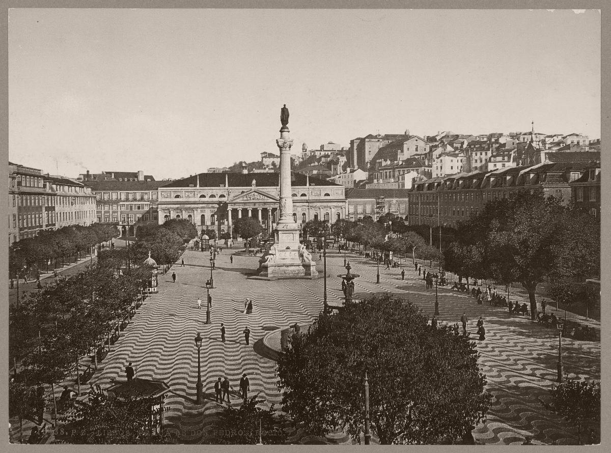 Lisboa. Praça de Don Pedro. (Rocio.)