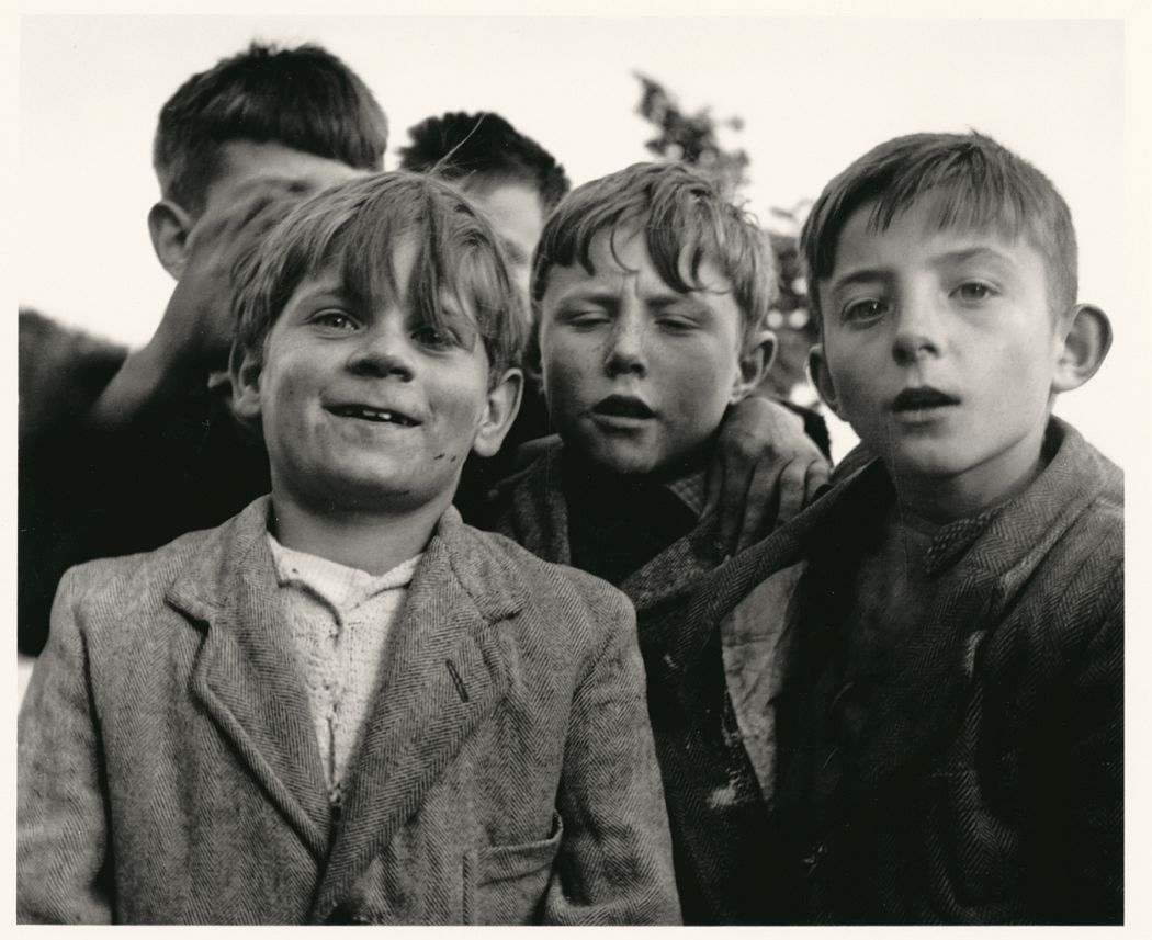 Sabine Weiss, Children, Paris, 1950