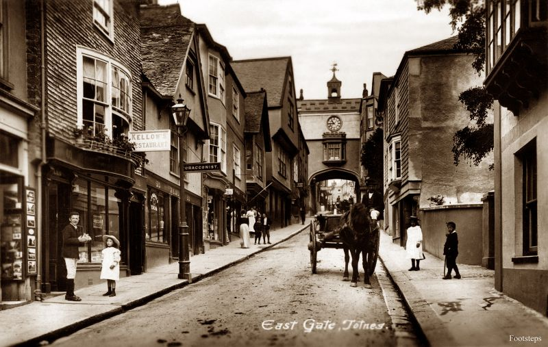 East Gate, Totnes, Devon, circa 1910s