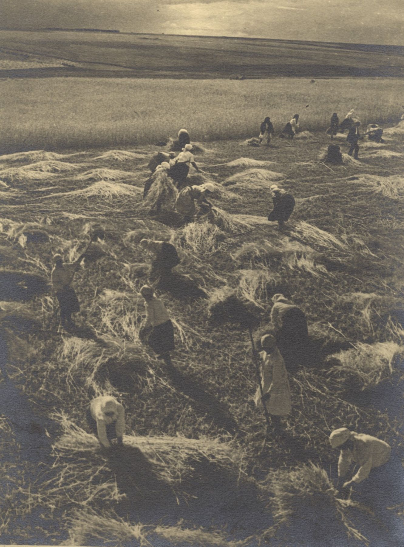 Georgy Petrusov (1903-1971)  Harvest, 1934  Vintage gelatin silver print
