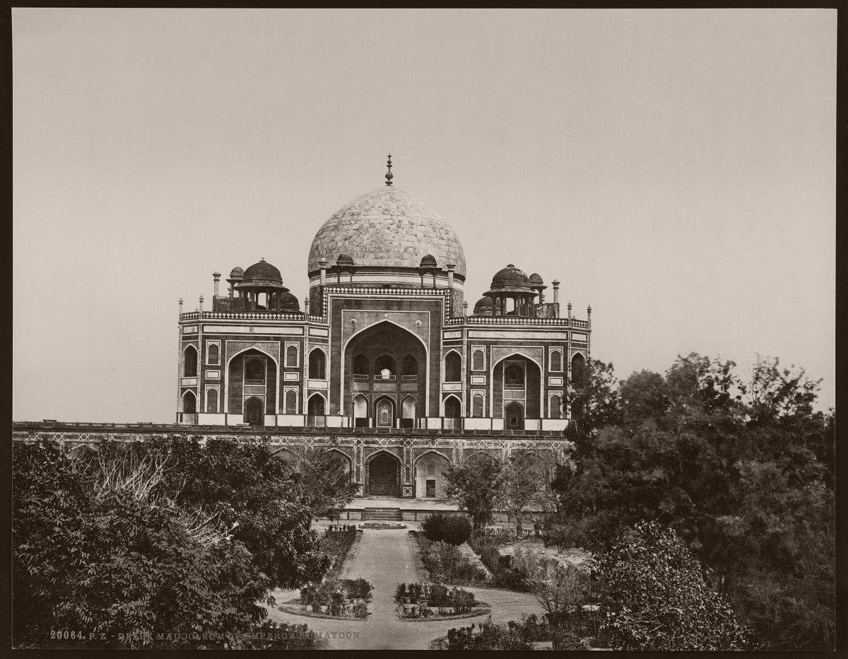 Delhi. Mausoleum of Emperor Humayoon