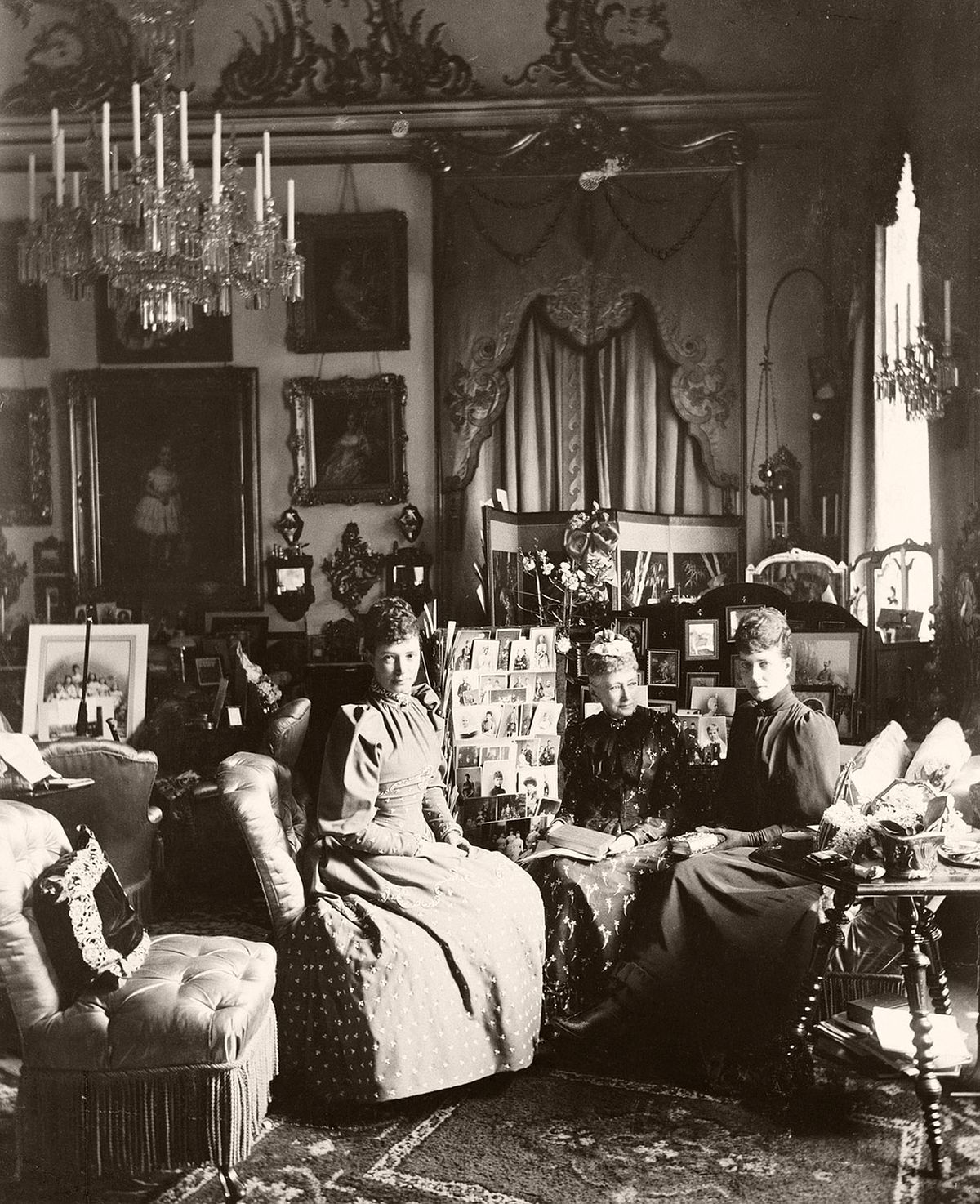 Mary Steen (1859-1939), Empress Marie Feodorovna of Russia, Queen Louise of Denmark, Alexandra, Princes of Wales, Amaliensborg, May 1892