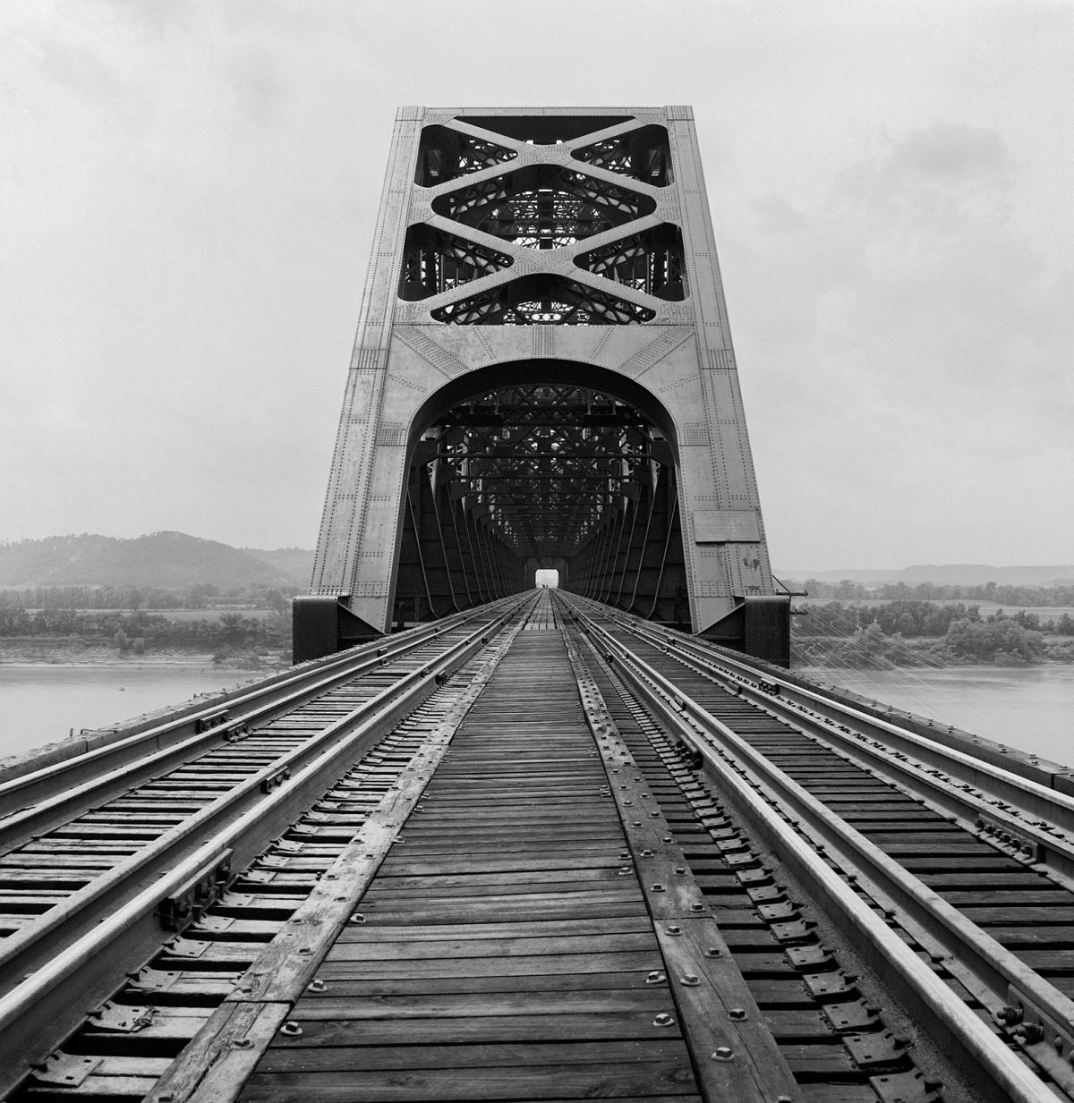 Sciotoville Bridge, Ohio River, Sciotoville, Ohio, 1968
