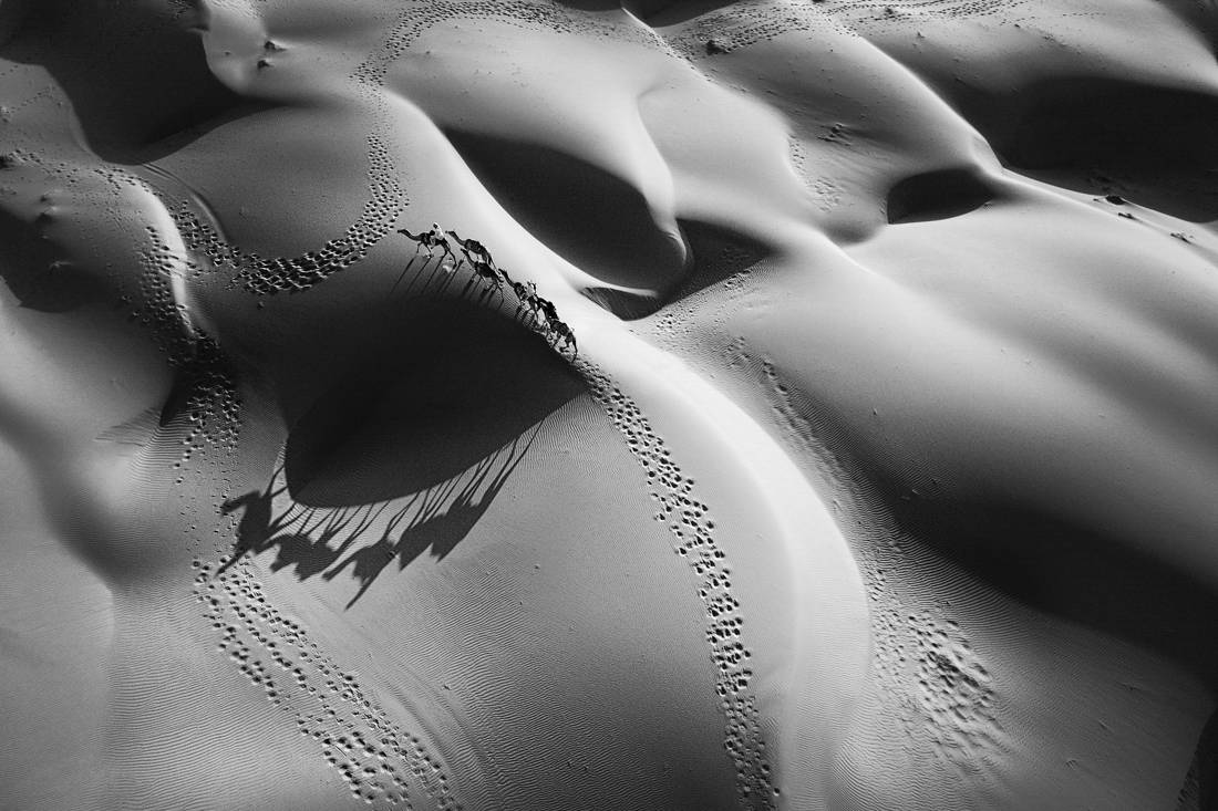 1ST PLACE – Black & White Landscapes SerieS of the Year 2019, Oman desert – Birgit Neise